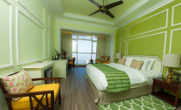 Tropic Green-Deluxe Double Room