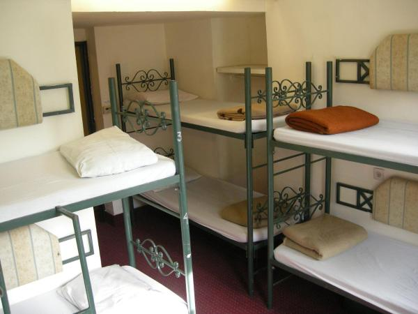 Single Bed in 6- Bed Mix Dormitory Room