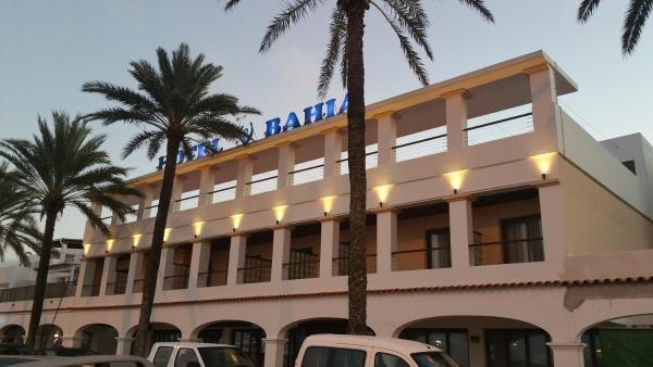 Hotel Pictures: Hotel Bahía, La Savina