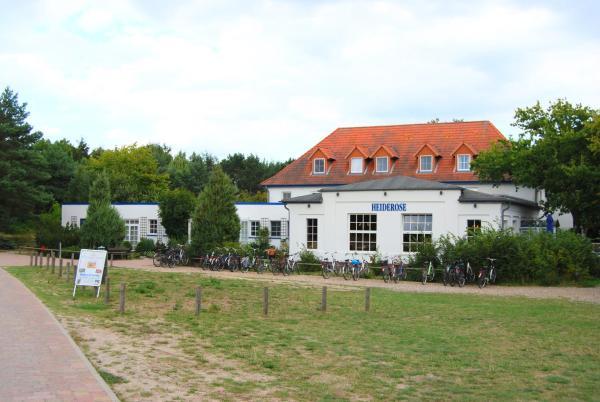 Hotel Pictures: Hotel Heiderose auf Hiddensee, Vitte