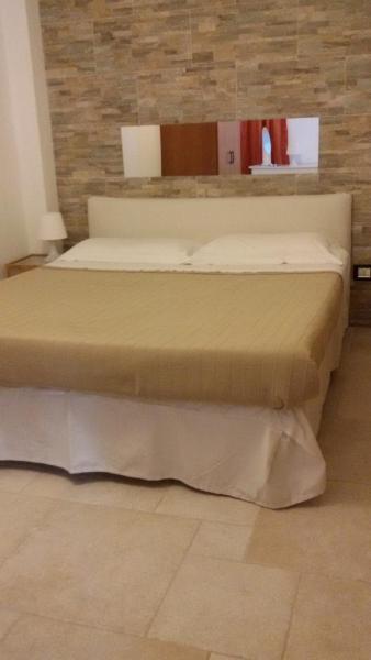 Hotel Pictures: Rossetti Apartment, L'Aquila
