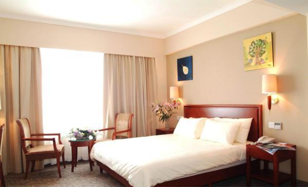 Hotel Pictures: GreenTree Inn Hebei Zhangjiakou Zhangbei Zhongdu Grassland Business Hotel, Zhangbei