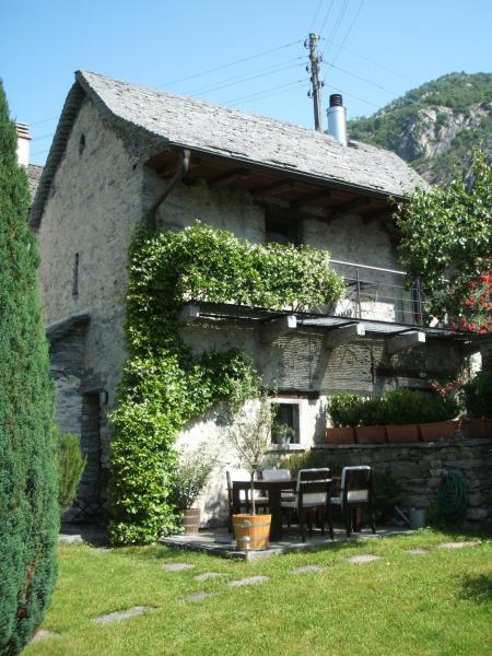 Hotel Pictures: Fienile, Avegno