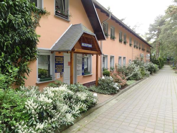 Hotel Pictures: Feriendorf Min Herzing, Nonnevitz