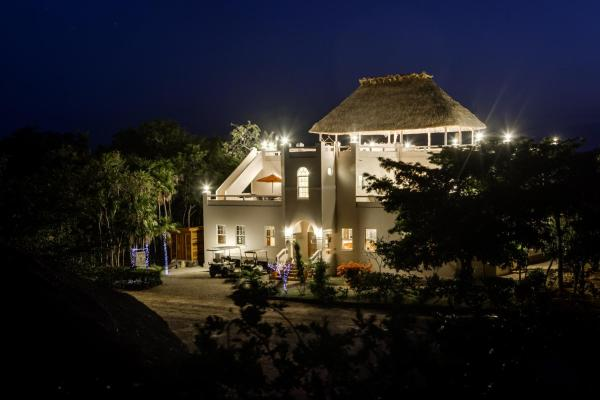 Hotel Pictures: The Crimson Orchid Inn, San Fernando