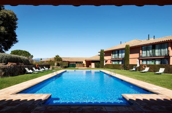 Hotel Pictures: Torremirona Relais Hotel Golf & Spa, Navata