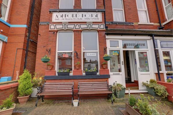 Hotel Pictures: Ashford House Guest House, Bridlington