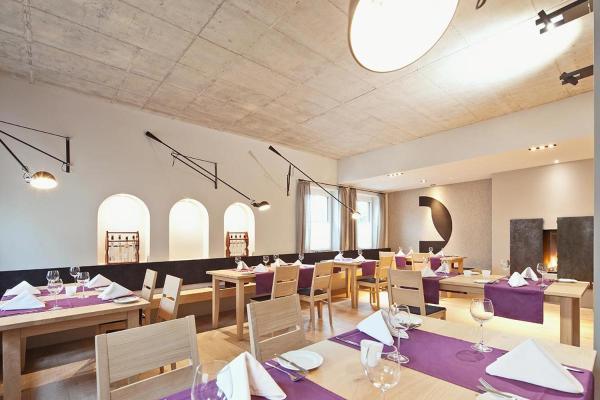 Hotel Pictures: Hotel & Restaurant Zur Glocke, Höchstädt an der Donau