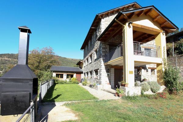 Hotel Pictures: El Jardí, Arfa