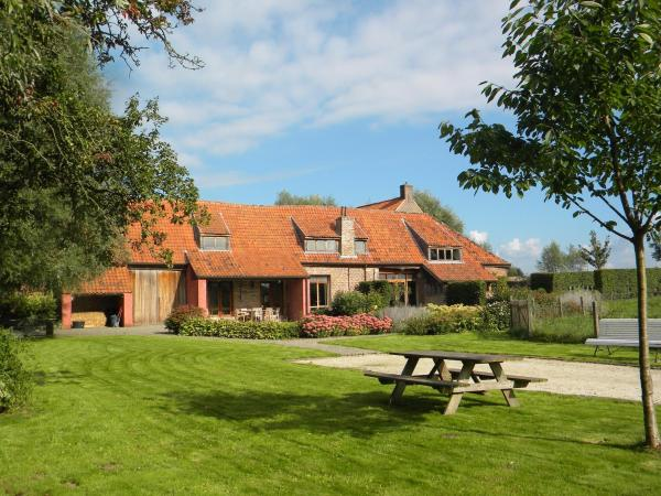 Hotel Pictures: Petrus Wittebrood Hoeve, Dikkelvenne