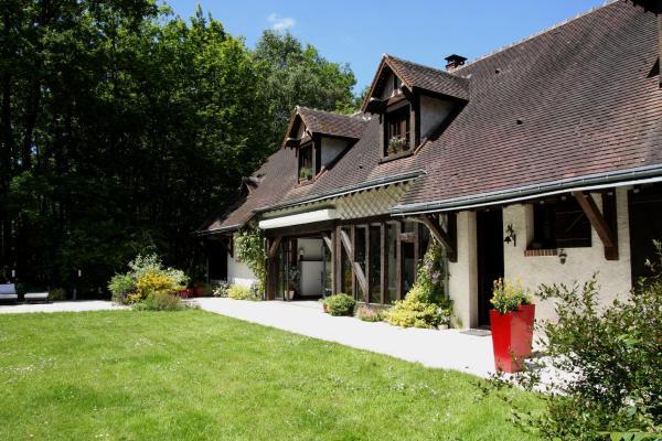 Hotel Pictures: Chambres d'hôtes et table d'hôtes L'Intemporelle, Saint Laurent Nouan