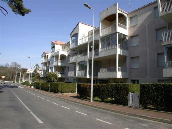 Hotel Pictures: Apartment Centre, La Palud