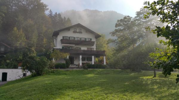 Hotel Pictures: Villa Bergkristall, Eschenlohe