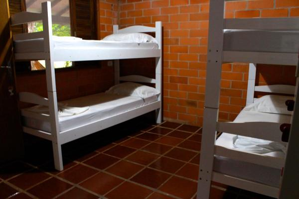 Hotel Pictures: B.llacco Backpacker, Maresias
