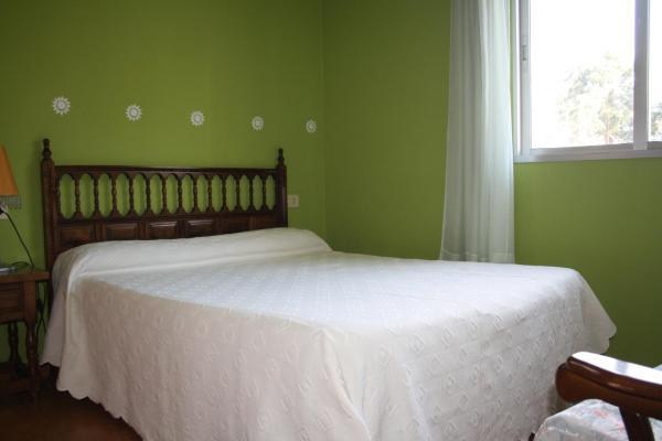 Hotel Pictures: Pensión Residencia Airiños, Chancelas