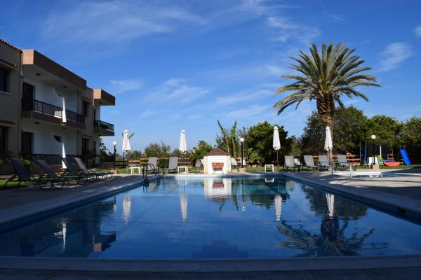 Hotel Pictures: Anna Hotel Apartments, Paphos City