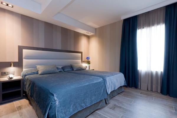 Hotel Pictures: Reina Cristina, Teruel