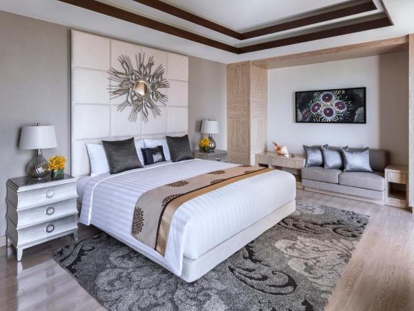One Bedroom Oceanfront Villa King