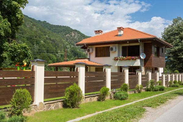 Hotellikuvia: Guest House Vitora, Ribarica