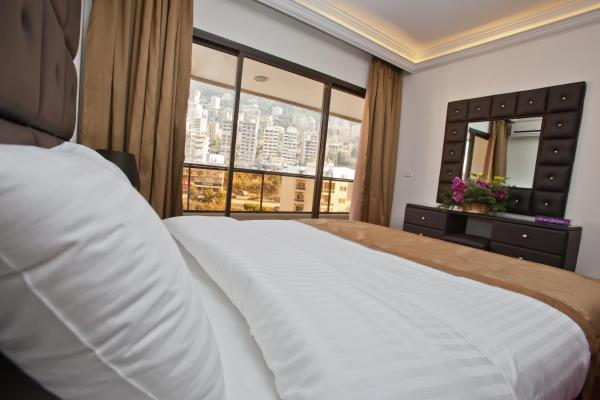 Executive Suite with Mountain View