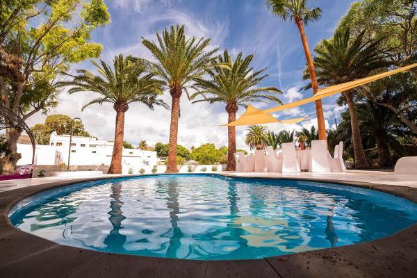Hotel Pictures: Casa Emblemática Villa Delmás, Haría