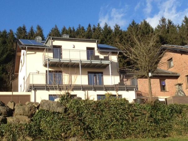 Hotel Pictures: Apartment Eifelblick, Weinsheim