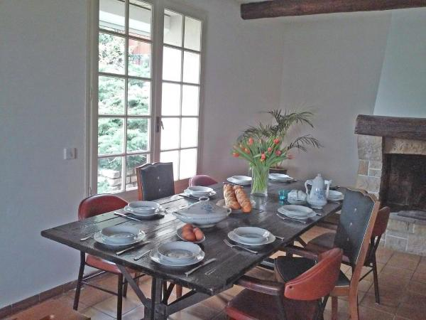 Hotel Pictures: Holiday Home Les Clos De Coulouvres, Brouzet