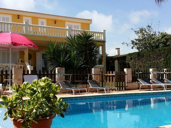 Hotel Pictures: Casa Tulipes, Sa Coma