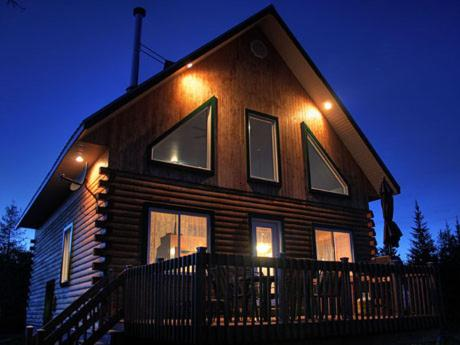 Hotel Pictures: Chalet en bois Domaine Adstock, Thetford Mines