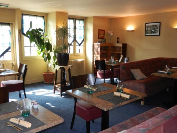 Hotel Pictures: Hôtel Restaurant l'Arpège, Neauphle-le-Château