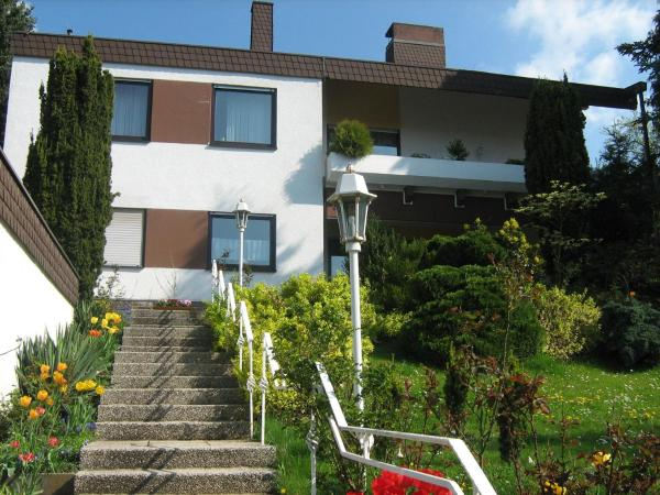 Hotel Pictures: One-Bedroom Apartment in Bad Kissingen I, Winkels