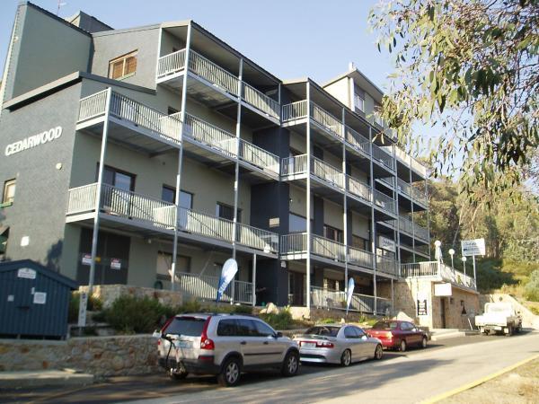 ホテル写真: Cedarwood Apartments, Falls Creek