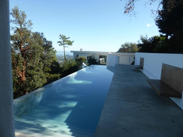 Hotel Pictures: Magnificent contemporary villa Esterel Massif, Fréjus