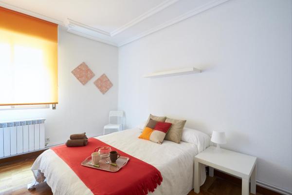 Hotel Pictures: Apartamento Vistabella II, Pamplona