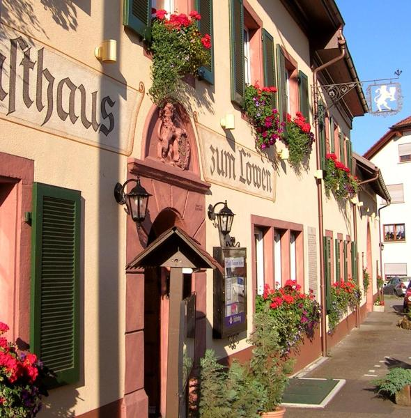 Hotel Pictures: Hotel Restaurant Löwen, Schopfheim