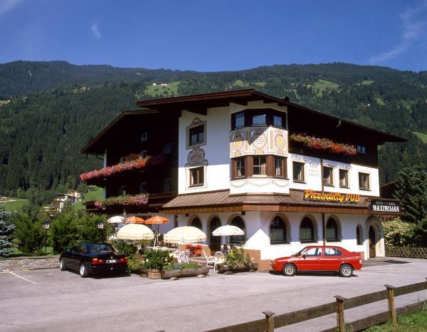 Foto Hotel: Hotel Garni Maximilian, Zell am Ziller
