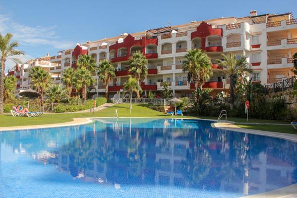 Hotel Pictures: Island Golf Riviera, Miraflores, Sitio de Calahonda