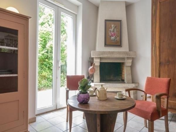 Hotel Pictures: Gite Domaine De La Grange, Mouzillon