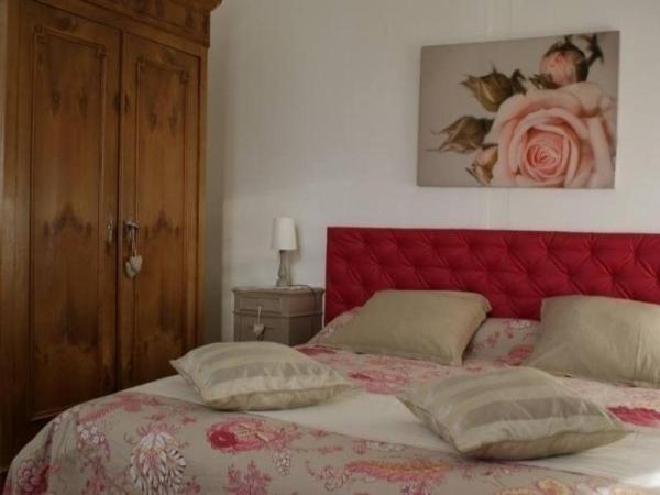 Hotel Pictures: Gite Au Mimosa, Bouvron