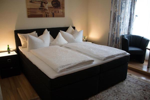 Hotel Pictures: Hotel Ammerland garni, Voslapp