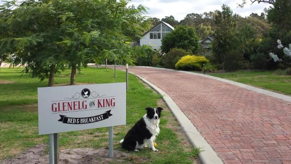 Fotos do Hotel: Glenelg on King Bed & Breakfast, Willyung