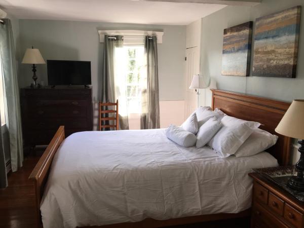 Premium Queen Room