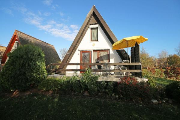 Hotel Pictures: Finnhaus Nr. 52 mit Terrasse, Gager
