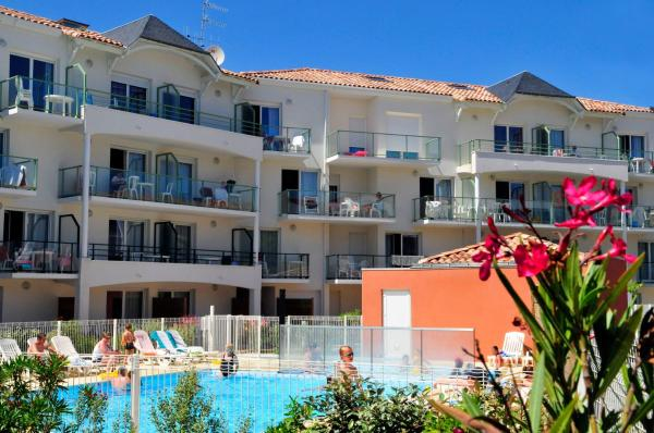 Hotel Pictures: Vacancéole - Les Jardins de l'Amirauté, Les Sables-d'Olonne