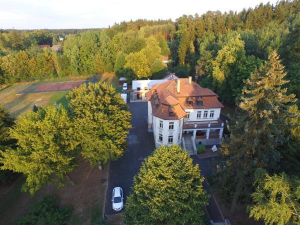 Hotel Pictures: Vila Olga, Jevany