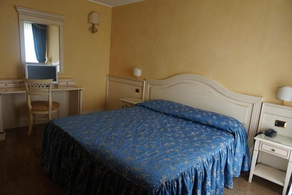 Double Room with Balcony (1 Adult)
