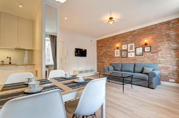 Comfort One-Bedroom Apartment with City View (4 Adults)