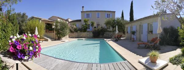 Hotel Pictures: La Bastide du Clos d'Ezort, Souvignargues