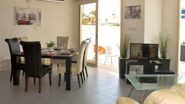 Hotel Pictures: Oceanview Villa 201, Mazotos