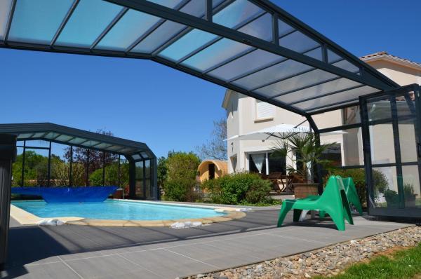 Hotel Pictures: La Villa des Pechs, Vitrac